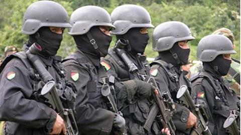 Clanes-familiares-contratan-a-exmilitares-para-hacer-pasar-contrabando