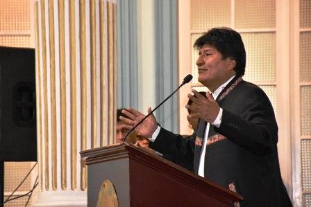 -Hay-coca-que-va-al-narcotrafico--admite-el-presidente-Morales-