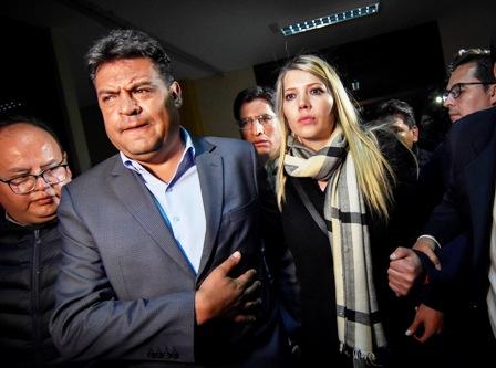 Rechazo-y-criticas-por-detencion-domiciliaria-para-alcalde-Luis-Revilla