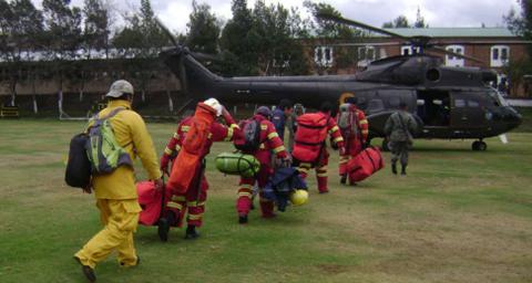 Peru-envia-helicopteros-y-Argentina,-bomberos-ante-incendios