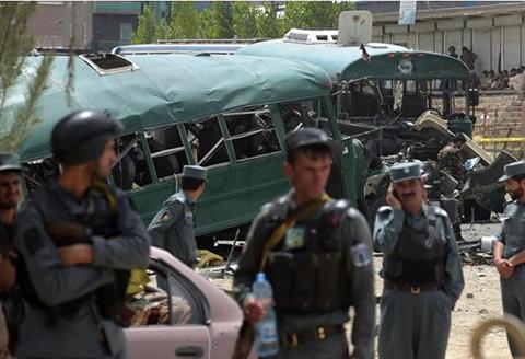Al-menos-5-muertos-y-siete-heridos-en-un-atentado-contra-la-Policia