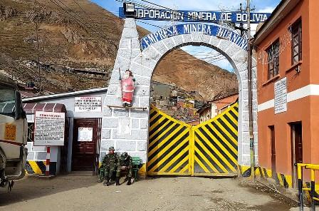 Cae-la-produccion-de-la-empresa-minera-Huanuni