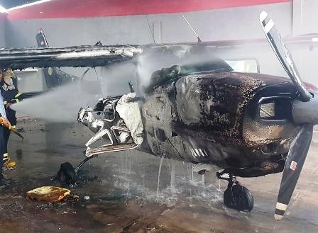 Avioneta-arde-en-el-aeropuerto-Trompillo