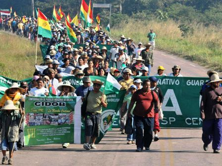 Surge-la-X-marcha,-Indigenas-piden-anular-leyes-