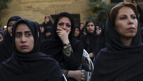 Mujer-irani-se-prende-fuego-al-no-poder-ingresar-a-estadio-de-futbol