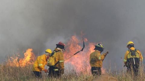 Firma-britanica-sugiere-un-seguro-de-vida-para-bomberos-bolivianos