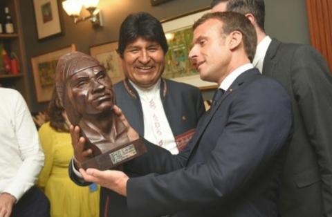 Francia-dispuesto-a-cooperar-a-Bolivia-con-escuela-para-bomberos
