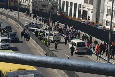 Triple-colision-en-la-autopista-La-Paz-El-Alto-deja-cuatro-heridos
