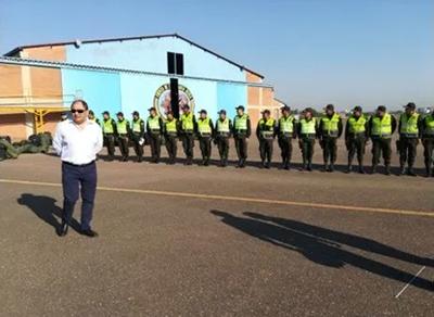 Primer-contingente-de-40-policias-llega-a-Santa-Cruz-para-reforzar-la-seguridad