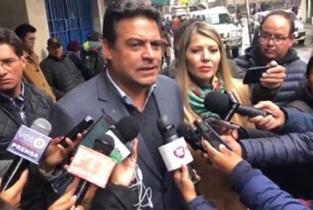 Otra-vez-suspenden-audiencia-del-alcalde-Luis-Revilla