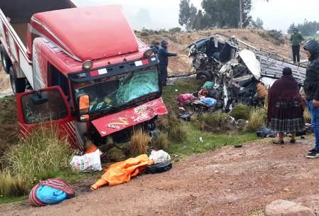 Colision-frontal-vehicular-deja-14-muertos