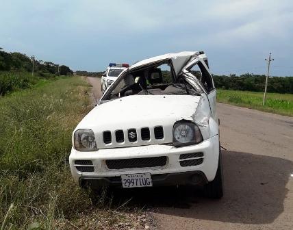 Vuelco-de-jeep-deja-un-muerto-y-dos-heridos-