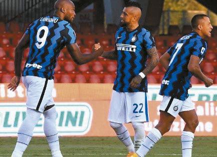 Inter-golea-a-Benevento-en-el-debut-de-Arturo-Vidal