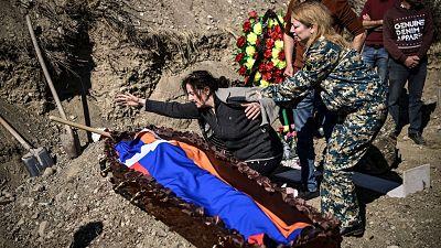 Azerbaiyan-y-Armenia-se-acusan-de-violar-la-nueva-tregua-y-siguen-los-combates