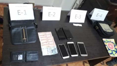 Atrapan-a-mujer-en-posesion-de-celulares-robados-en-el-festejo-del-MAS-en-El-Alto