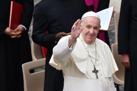 Papa-Francisco-realiza-su-primera-salida-de-Roma-en-siete-meses
