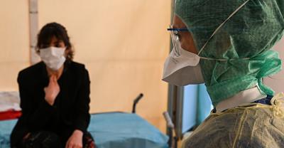 Cientificos-japoneses-descubren-que-el-coronavirus-permanece-activo-en-la-piel-durante-9-horas