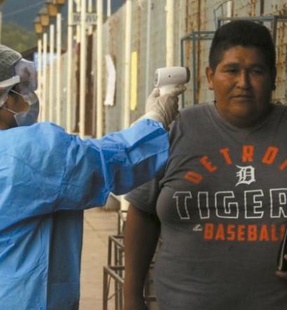 Realizan-controles-sanitarios-en-la-frontera