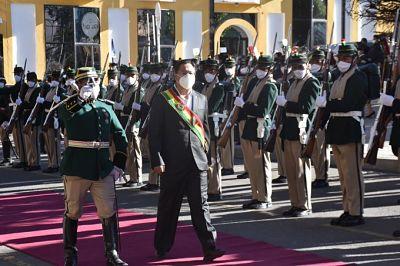 Luis-Arce-participa-por-primera-vez-en-una-efemeride-como-presidente