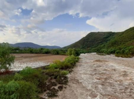 Fuerte-granizada-ocasiona-desborde-de-rios-y-afecta-a-cinco-municipios-chuquisaquenos