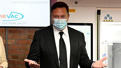 -Algo-extremadamente-falso-esta-sucediendo-:-Musk-se-hace-cuatro-pruebas-de-covid-19-en-un-mismo-dia-y-da-positivo-solo-en-dos
