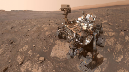El-rover-Curiosity-de-la-NASA-se-toma-una-selfi-en-Marte