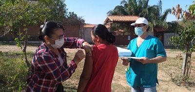 En-Santa-Cruz-se-aplicaron-mas-de-28-mil-dosis-en-el--Dia-V--de-vacunacion