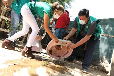 Santa-Cruz:-Fumigan-y-destruyen-criaderos-de-mosquitos