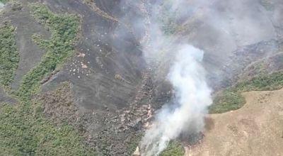 Se-mantienen-los-dos-incendios-forestales-activos-en-Santa-Cruz