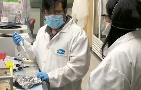 Vacuna-Pfizer,-aceleran-su-aprobacion
