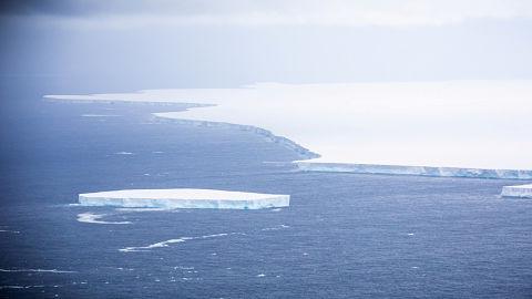 Cientificos-preparan-una-mision-al-iceberg-mas-grande-del-mundo-antes-de-que-colisione-con-tierra-firme