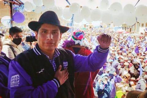 El-MAS-elige-a-Franklin-Flores-como-candidato-a-la-Gobernacion-de-La-Paz
