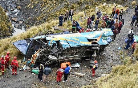 Accidente-de-bus-causa-15-muertos-y-16-heridos