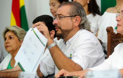 Comite-pro-Santa-Cruz-pide-inhabilitacion-de-Evo-Morales