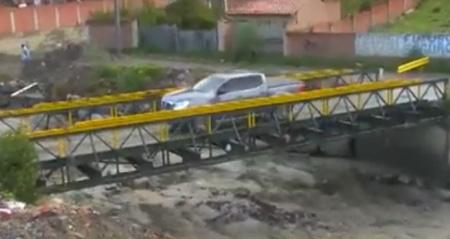 Vecinos-temen-la-caida-de-un-puente-que-conecta-Irpavi-y-Callapa