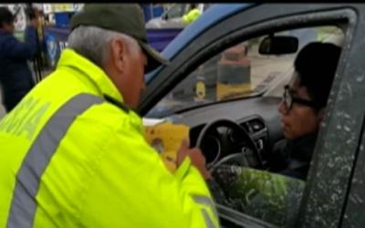 La-Policia-y-CBN-realizan-campana-sobre-el-Consumo-Inteligente-en-Carnaval