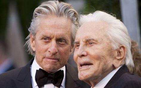 Kirk-Douglas-dono-su-gran-fortuna-a-la-caridad-y-dejo-sin-herencia-a-su-hijo