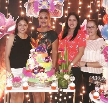 Una-fiesta-carnavalera-para-Karla