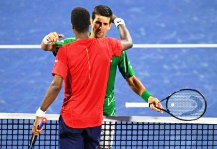 Djokovic-vence-a-Monfils-y-va-a-la-final-con-Tsitsipas