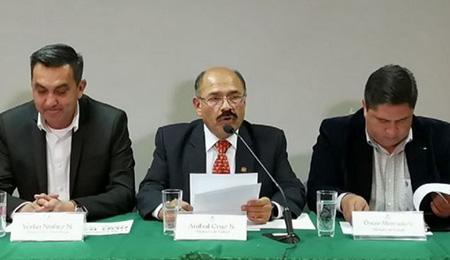 Ministro-de-Salud-reporta-42-casos-sospechosos-de-COVID-19