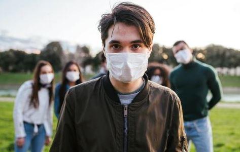 Los-jovenes-son-los-mas-afectados-por-el-coronavirus-en-Santa-Cruz