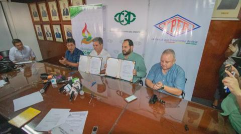 YPFB-garantiza-suministro-de-combustible-y-urea-para-el-agro