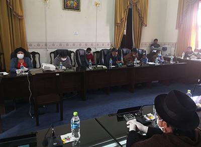 Asamblea-acepta-renuncia-de-Urquizu-y-espera-elegir-hoy-a-su-sucesor
