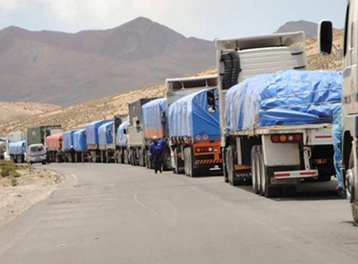 Transporte-pesado-rechaza-cierre-de-Tambo-Quemado