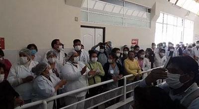 Medicos-del-hospital-Santa-Barbara-en-Sucre-exigen-renuncia-del-director-del-Sedes