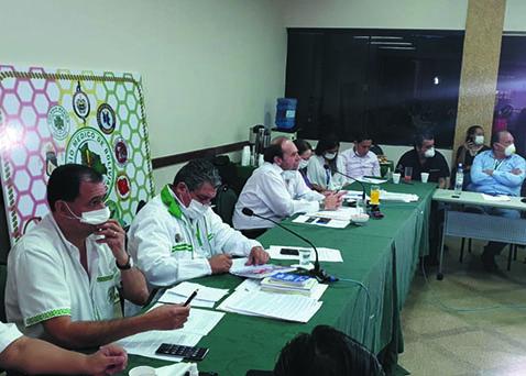 Gobierno-y-Colegio-Medico-refuerzan-estrategia-contra-el-Covid-19