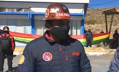 Oruro:-Trabajadores-de-Huanuni-toman-instalaciones-de-la-metalurgica-Vinto