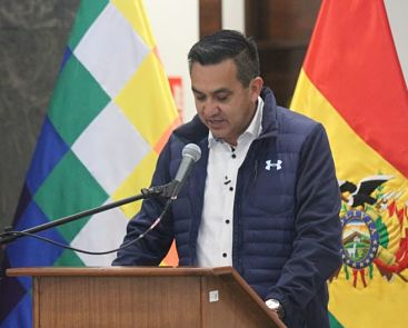Tres-ministros-coordinan-en-Riberalta-tareas-para-reforzar-lucha-contra-la-pandemia