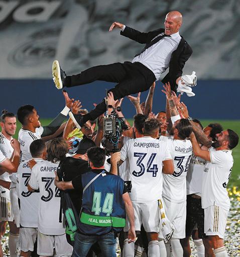Zidane-ordeno-la--Casa-Blanca--y-conquisto-el-titulo-34-con-el-Madrid
