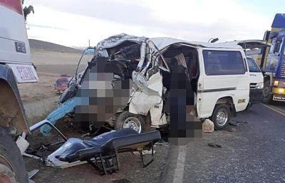 Registran-nueve-fallecidos-en-accidente-en-la-carretera-La-Paz-Desaguadero